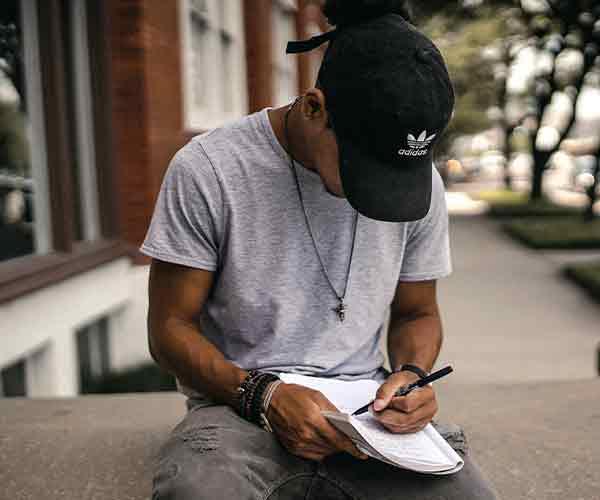Написание стихов и текстов песен