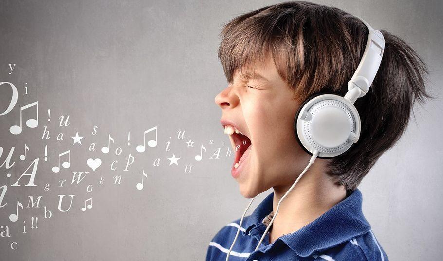 Как научить ребёнка петь?